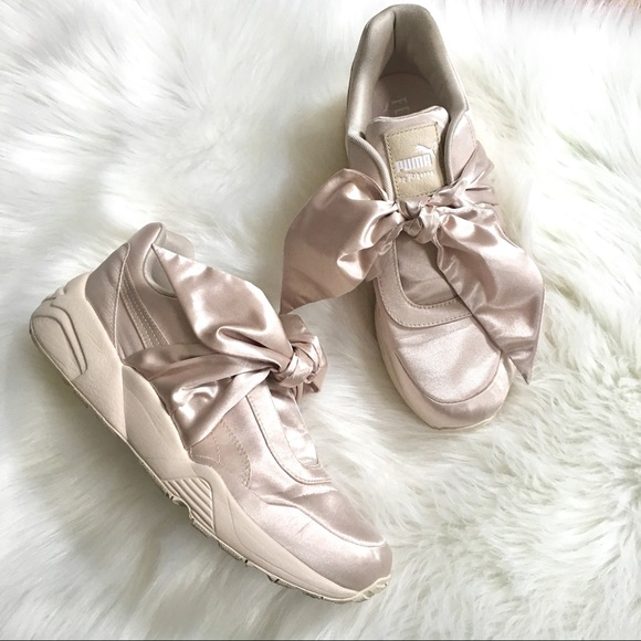 1a14b94f325 Puma Fenty Bow Sneakers Light Pink. M 5b0c73cea44dbec61f996a56